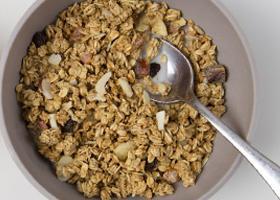 Flakes and granolas