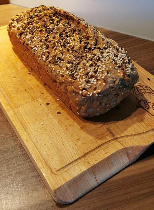 No yeast spelt bread with seeds